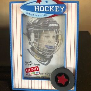 Hockey shoot and score picture frame